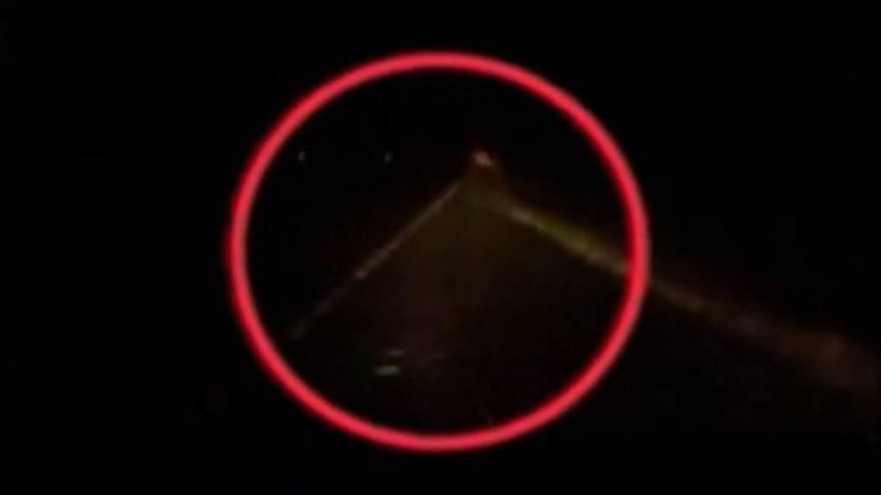 Vigilia di Natale, un fantasma salva uomo in pericolo - Video
