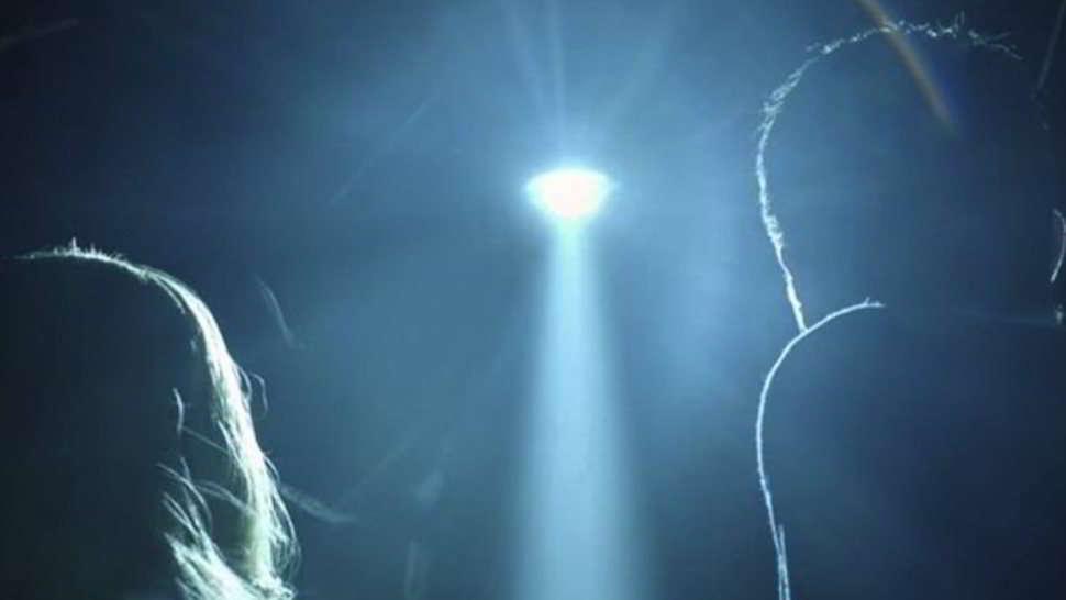 Alien Abduction donna rapita dagli alieni - video