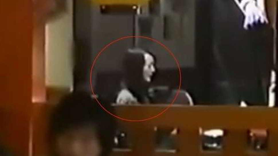Notte da incubo per un fantasma suicida - video