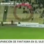 Video fantasma allo stadio spaventa la folla
