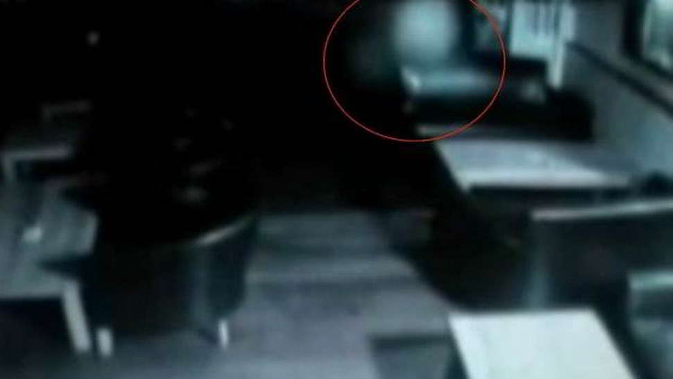 Creatura fantasma al Wolfe Pub - Video