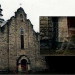 Il fantasma del cavaliere davanti la chiesa