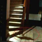 Il fantasma che scende le scale - Video