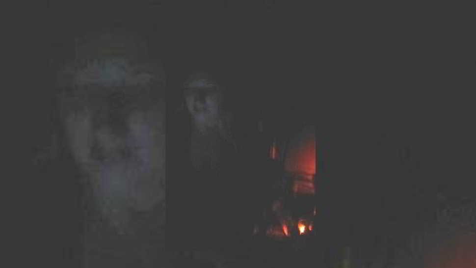 Un fantasma inquietante a lume di candela