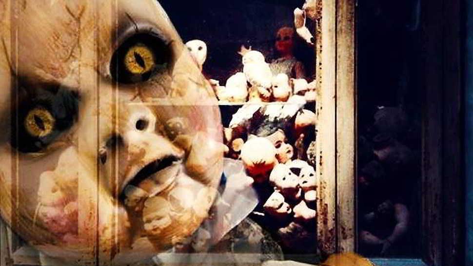 Le bambole in fondo al corridoio