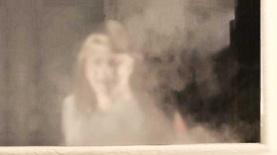 Un fantasma allo specchio rovina le vacanze