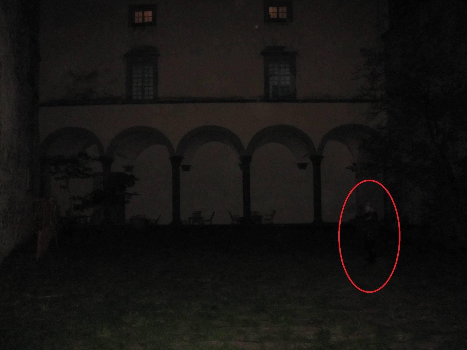 Fotografato un fantasma nel Castello Malaspina-2