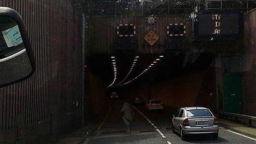 Un fantasma attraversa il tunnel-1