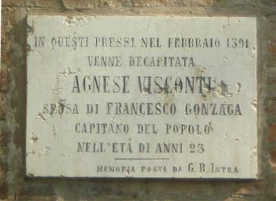 Il fantasma di Agnese nel Castello di San Giorgio-Lapide