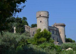 Il fantasma della dama rossa a Castellammare di Stabia2