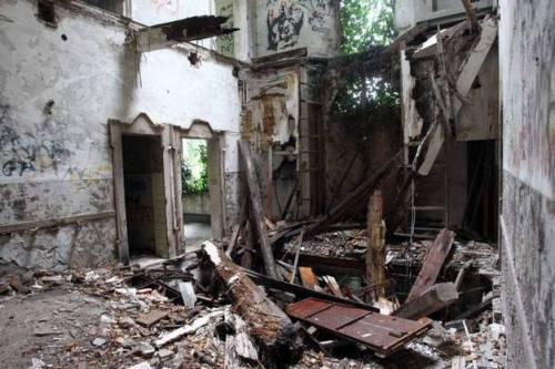 la casa dei fantasmi di aguscello ex manicomio infantile satanico 3