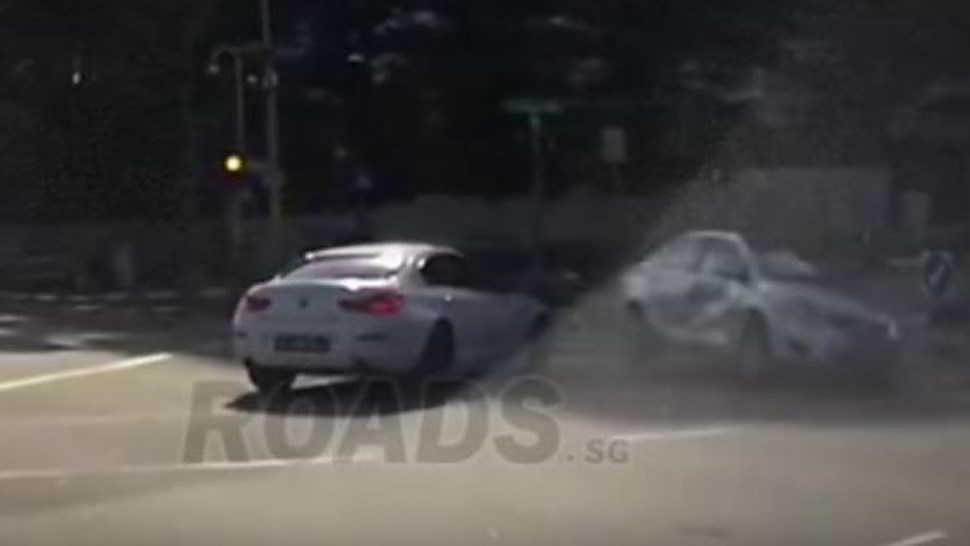 Auto fantasma provoca un pauroso incidente. Video incredibile