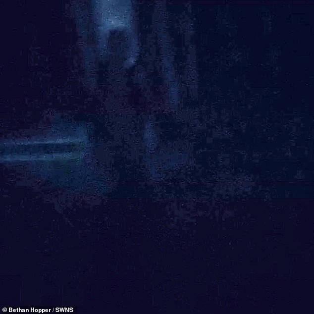 Fantasma ripreso in un manicomio abbandonato 3