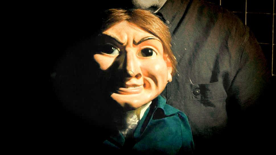 Letta me out la bambola posseduta