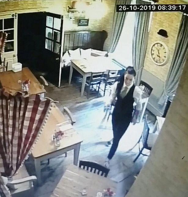 Inquietante fantasma di bambina ripreso in un video 2